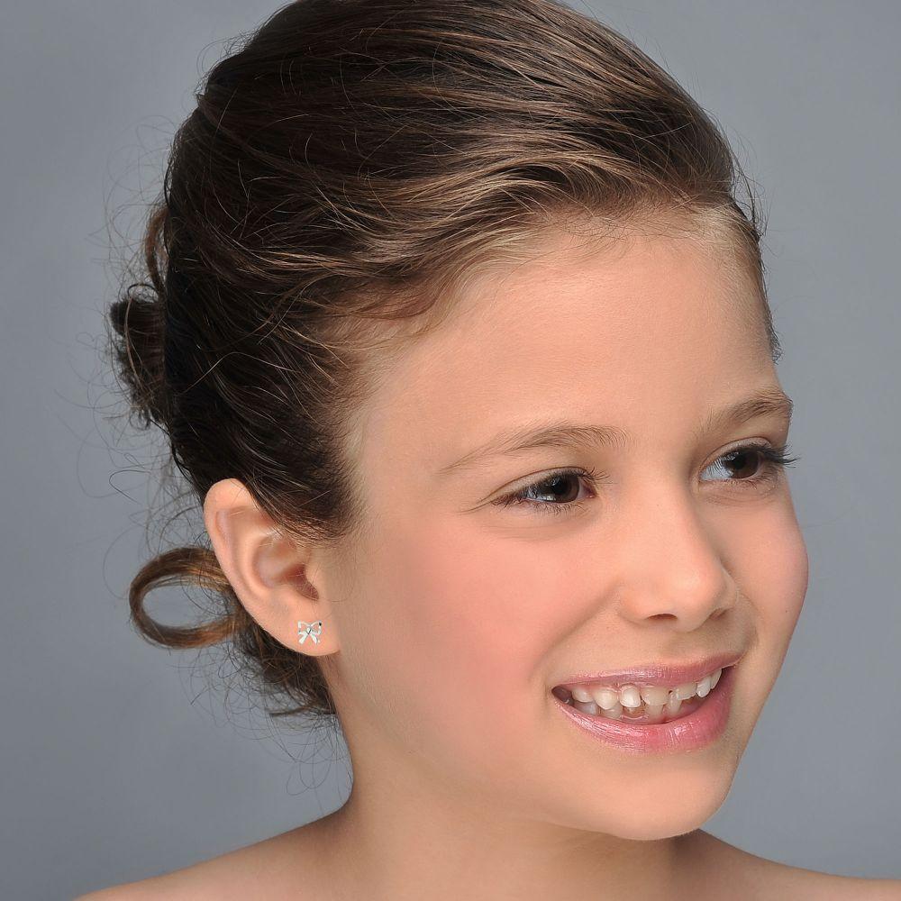 תכשיטים מזהב לילדות | עגילי זהב לבן צמודים -  פפיון עדין
