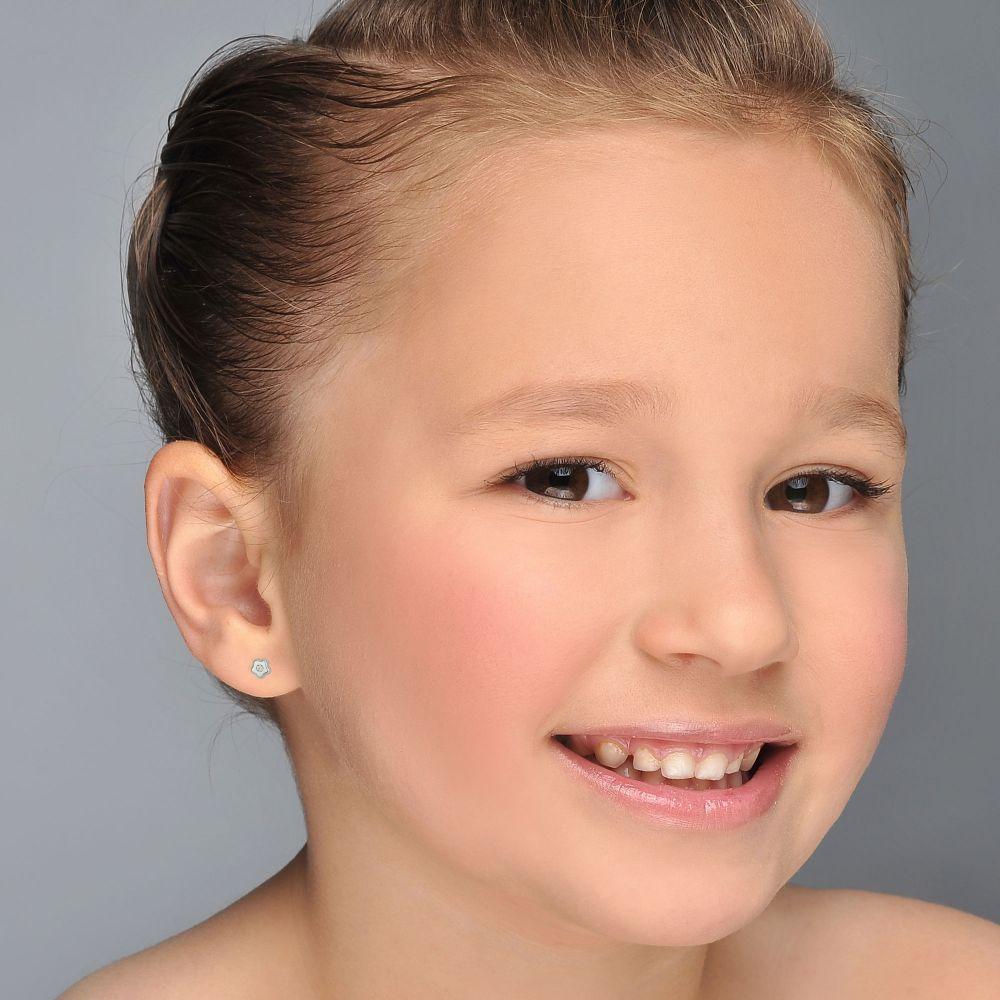 תכשיטים מזהב לילדות | עגילי זהב לבן צמודים -  כוכב פורח קטן מאד
