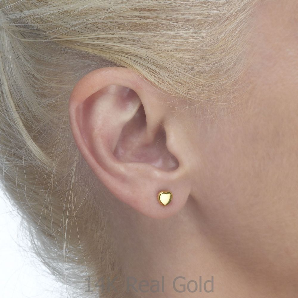תכשיטים מזהב לילדות   עגילי זהב צמודים -  לב מרגש