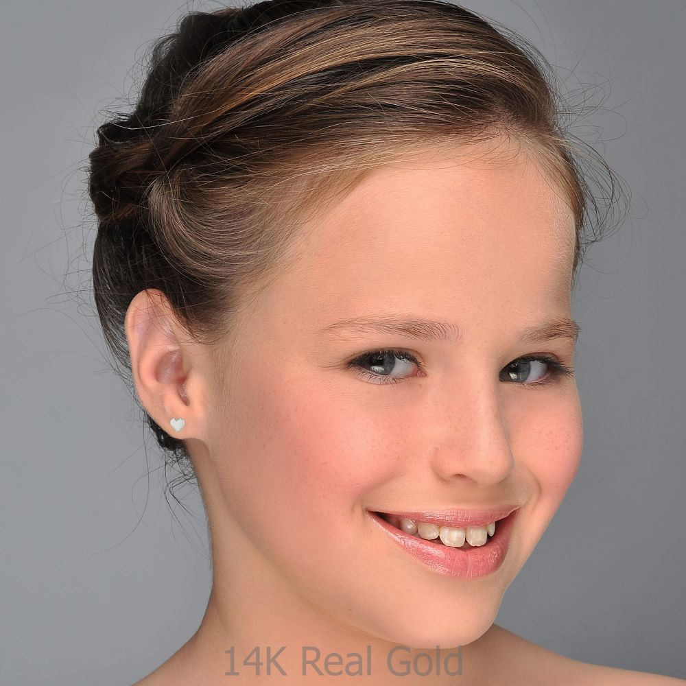 תכשיטים מזהב לילדות | עגילים צמודים מזהב לבן 14 קראט - לב קלאסי