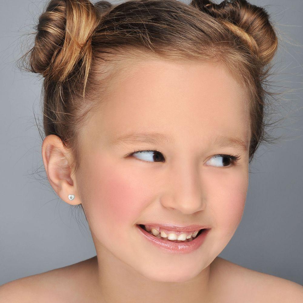 תכשיטים מזהב לילדות | עגילי זהב צמודים -  לב מנצנץ וקטן