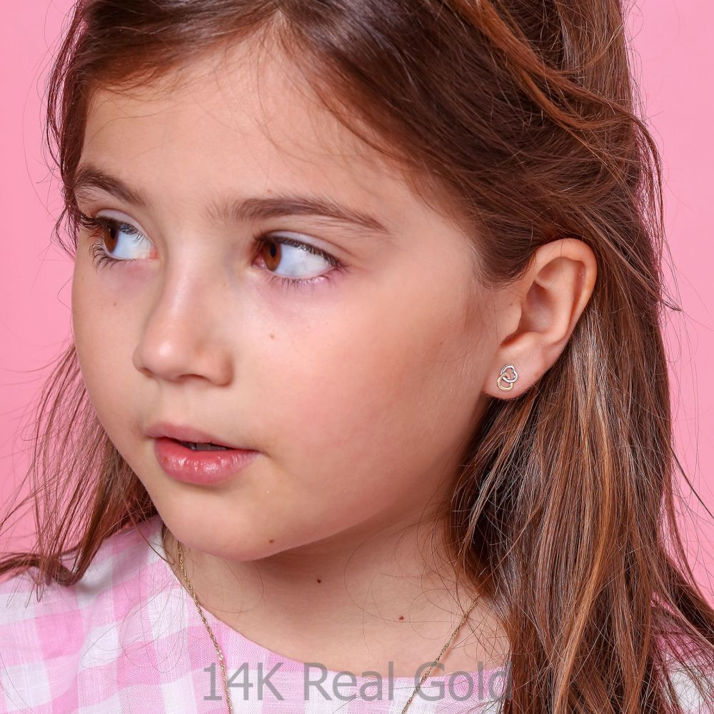 תכשיטים מזהב לילדות | עגילים צמודים מזהב צהוב ולבן 14 קראט - לבבות מחושקים