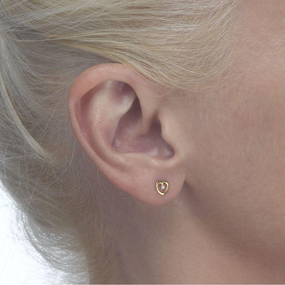 תכשיטים מזהב לילדות | עגילים צמודים מזהב צהוב 14 קראט - לב מלוכד