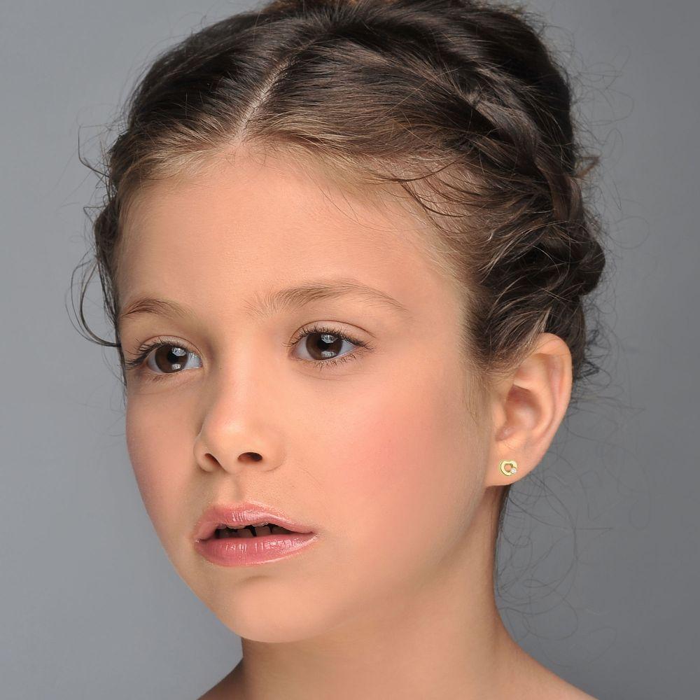תכשיטים מזהב לילדות   עגילים צמודים מזהב צהוב 14 קראט - לב חינני