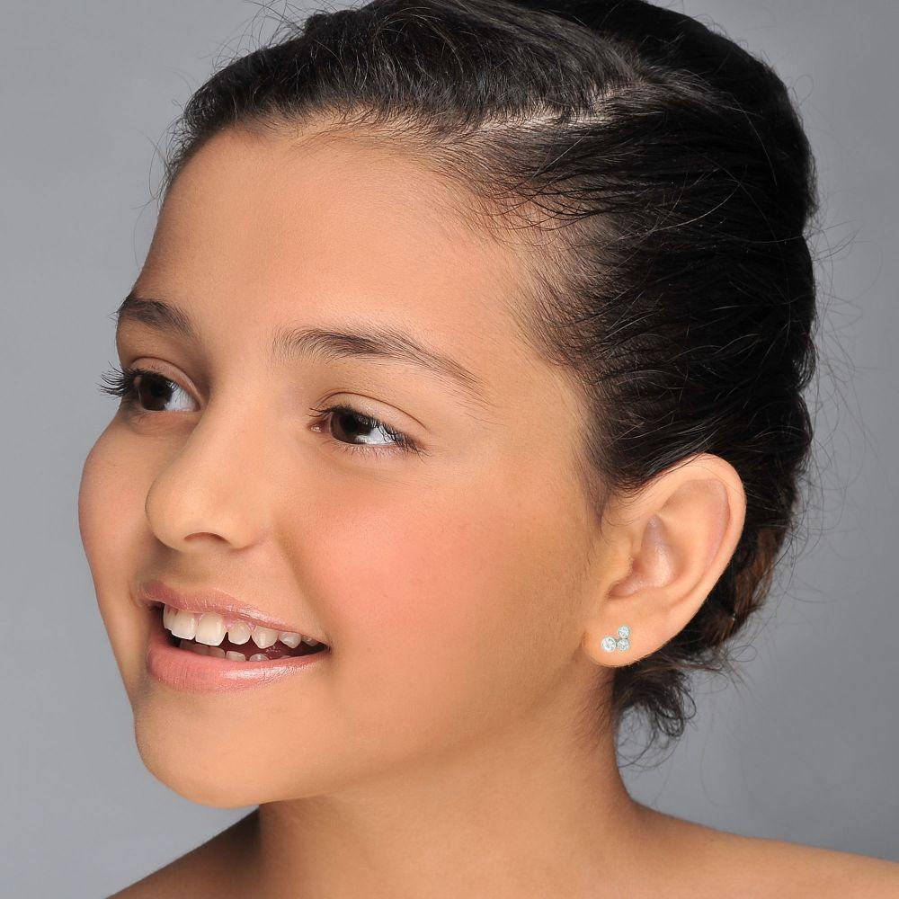 תכשיטים מזהב לילדות | עגילים צמודים מזהב לבן 14 קראט - עיגולים מנצנצים