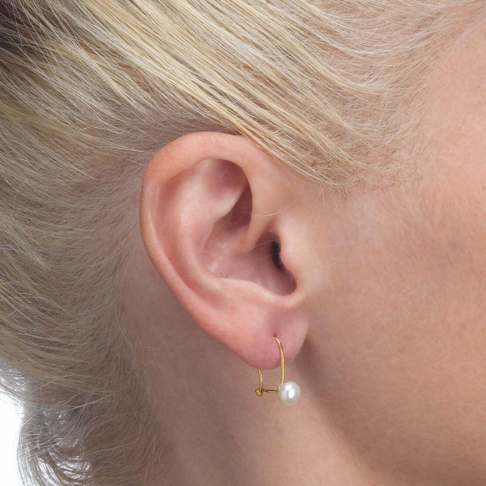 תכשיטים מזהב לילדות | עגילים תלויים מזהב צהוב 14 קראט - פנינה ניצה