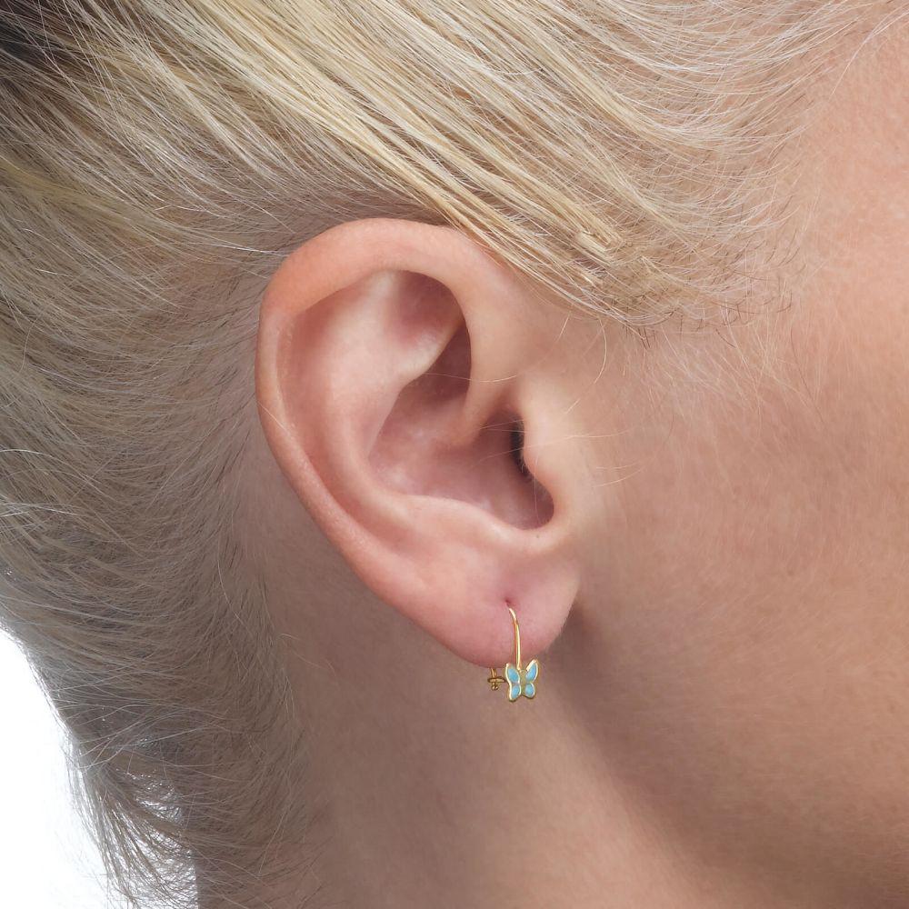 תכשיטים מזהב לילדות | עגילים תלויים מזהב צהוב 14 קראט - פרפר מהפנט - תכלת