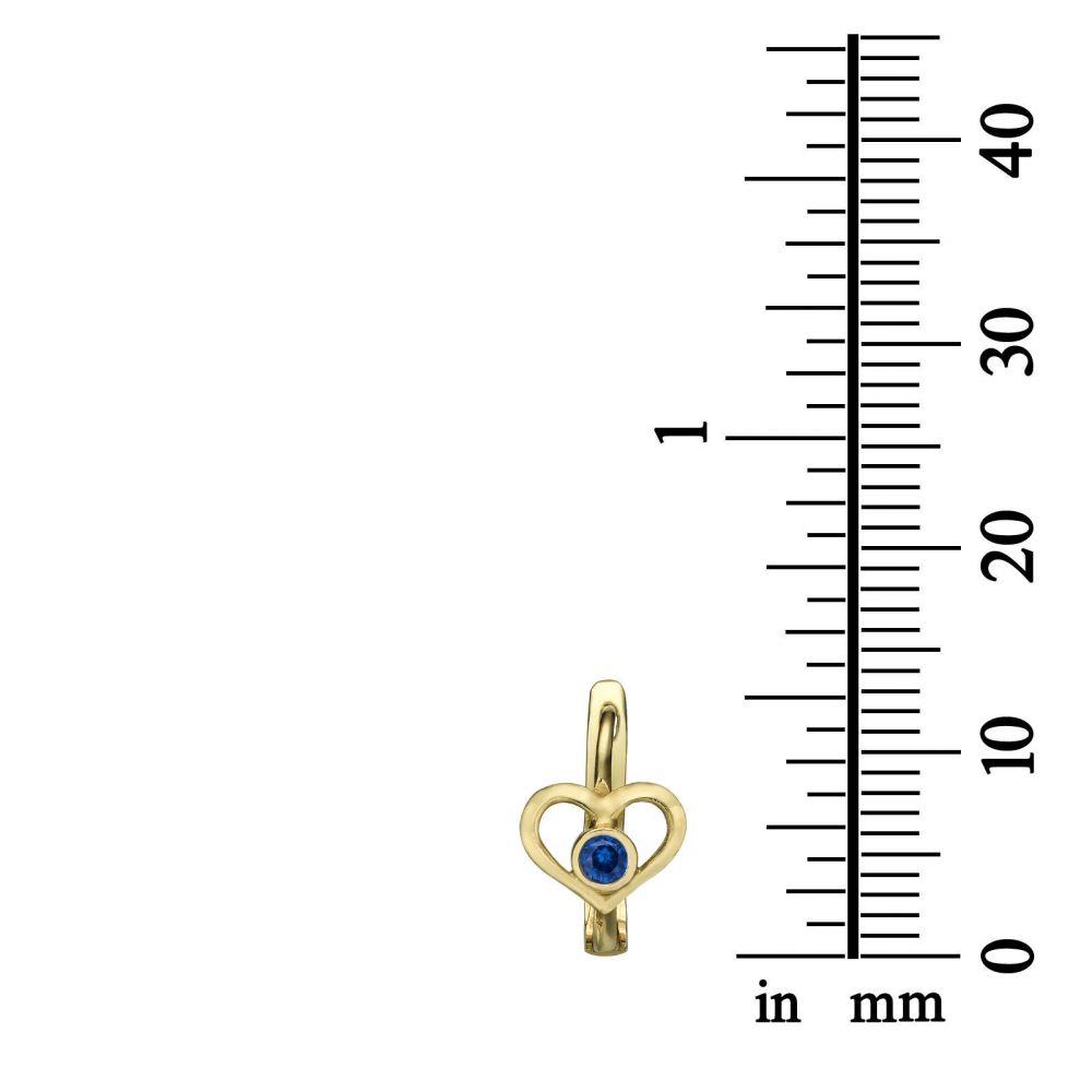 עגילי זהב | עגילים תלויים צמודים מזהב צהוב 14 קראט - לב טיטי