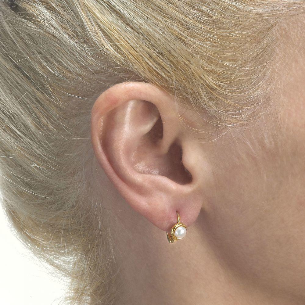 תכשיטים מזהב לילדות | עגילי חישוק תלויים מזהב - פנינה ניקי