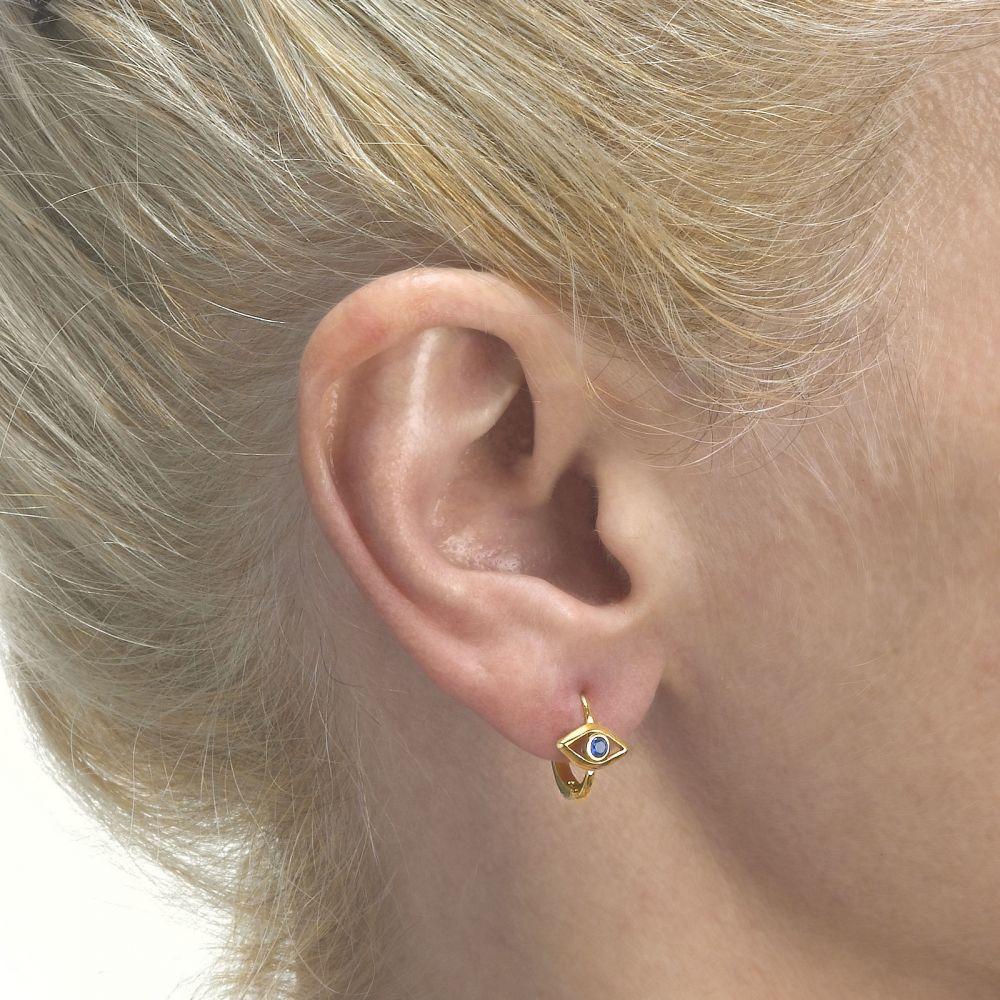 תכשיטים מזהב לילדות | עגילים תלויים צמודים מזהב צהוב 14 קראט - העין הכחולה