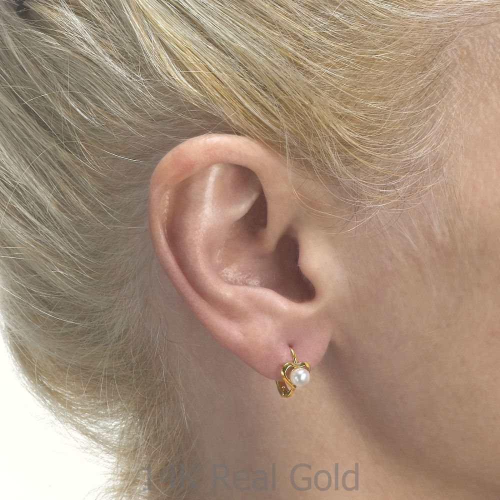 עגילי זהב | עגילים תלויים צמודים מזהב צהוב 14 קראט - לב ליבת