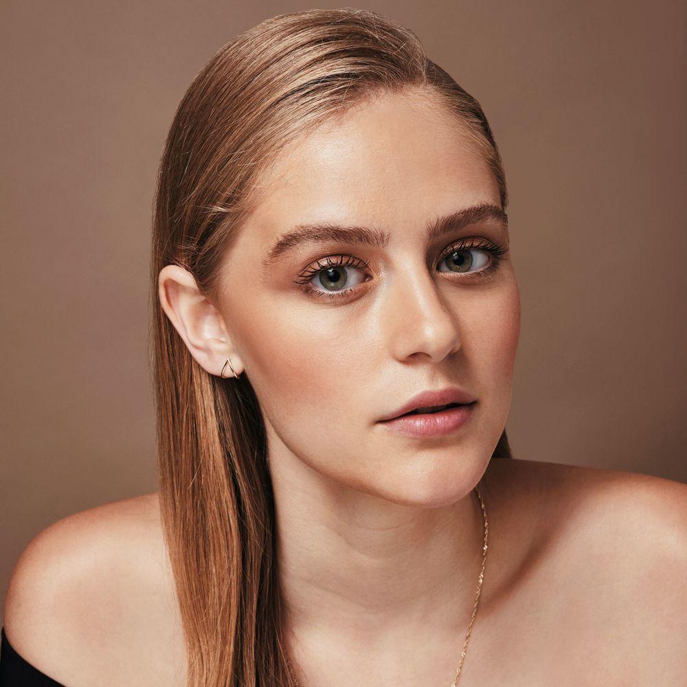 תכשיטי זהב לנשים | עגילים צמודים מזהב צהוב 14 קראט - טיפה חובקת