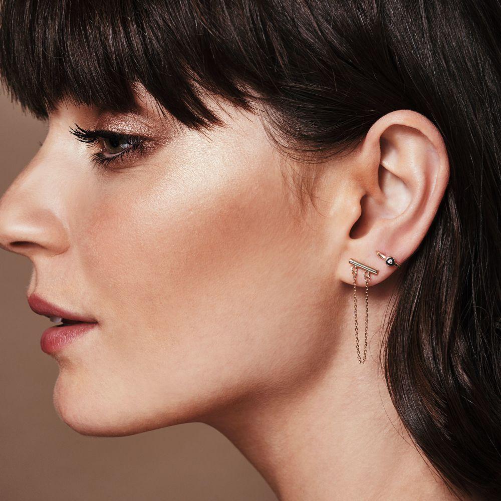 תכשיטי זהב לנשים | עגילים צמודים ארוכים מזהב לבן 14 קראט - מושכות הזהב