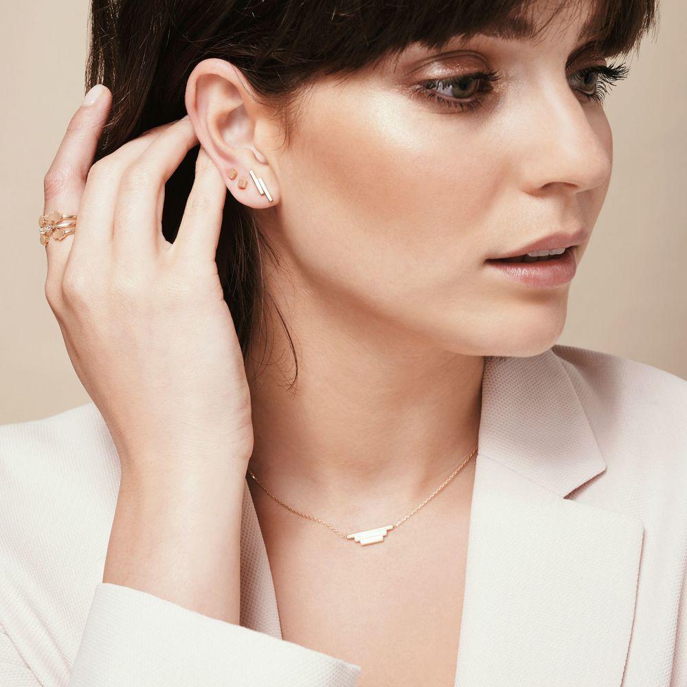 תכשיטי זהב לנשים | עגילים צמודים מזהב לבן 14 קראט - קוביית הזהב - קטן