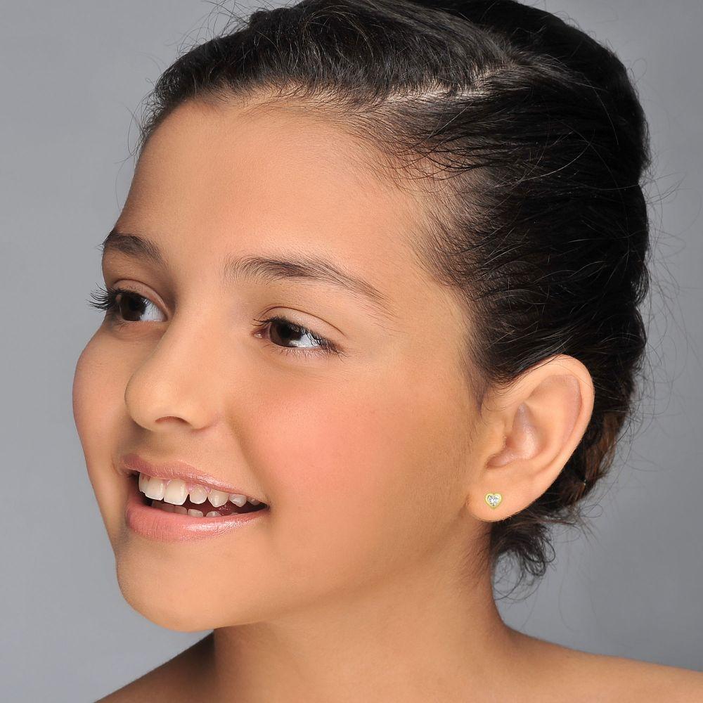 תכשיטים מזהב לילדות | עגילי זהב צמודים -  לב מנצנץ