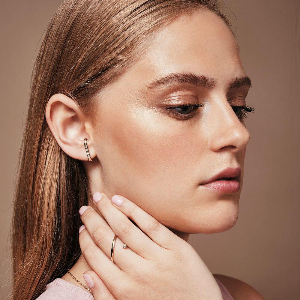 תכשיטי יהלומים | עגילי יהלום חובקים מזהב צהוב 14 קראט - היי-פייב