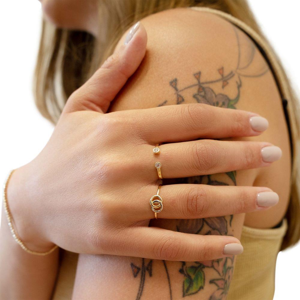 תכשיטי זהב לנשים | טבעת פתוחה מזהב צהוב  14 קראט -  עיגולי טל מנצנצים