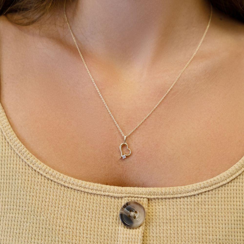 תכשיטי זהב לנשים   שרשרת יהלום מזהב צהוב  14 קראט - לב אטלנטיס