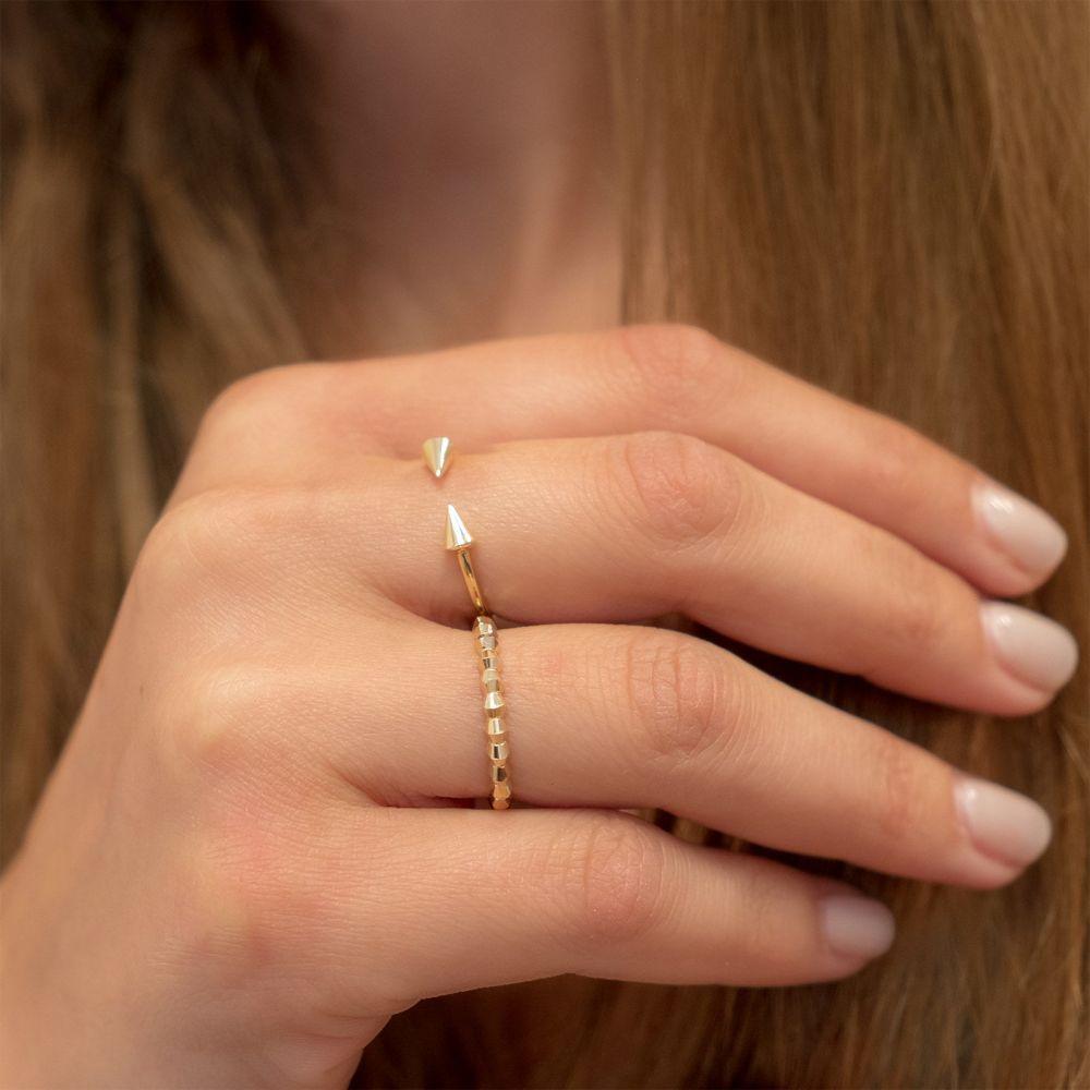 תכשיטי זהב לנשים   טבעת פתוחה מזהב צהוב 14 קראט - חצים מסתובבים