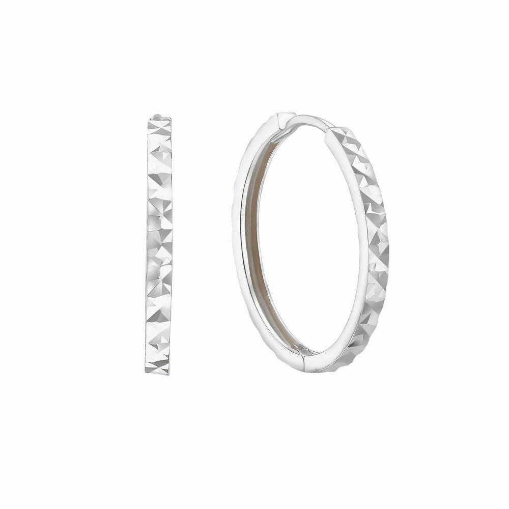 עגילי זהב | עגילי חישוק  מזהב לבן 14 קראט - חישוק חריטת יהלום