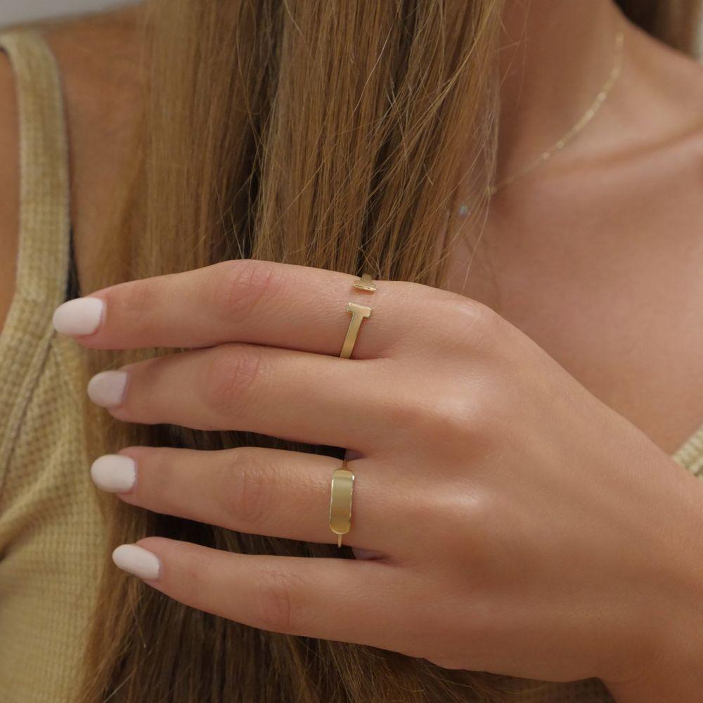 תכשיטי זהב לנשים   טבעת פתוחה מזהב צהוב 14 קראט -  רובין