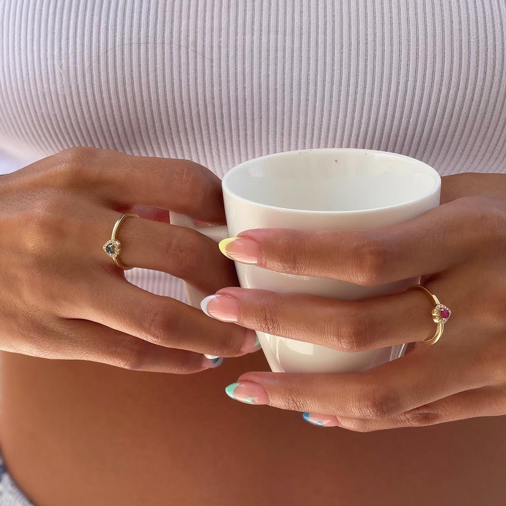תכשיטי יהלומים   טבעת ספיר ויהלומים מזהב צהוב 14 קראט - לב רויאל