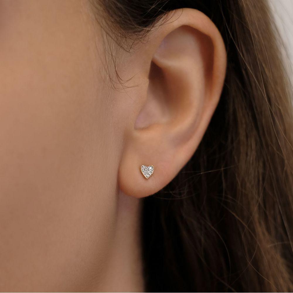 תכשיטי יהלומים   עגילי יהלומים צמודים מזהב צהוב 14 קראט - לב קלי