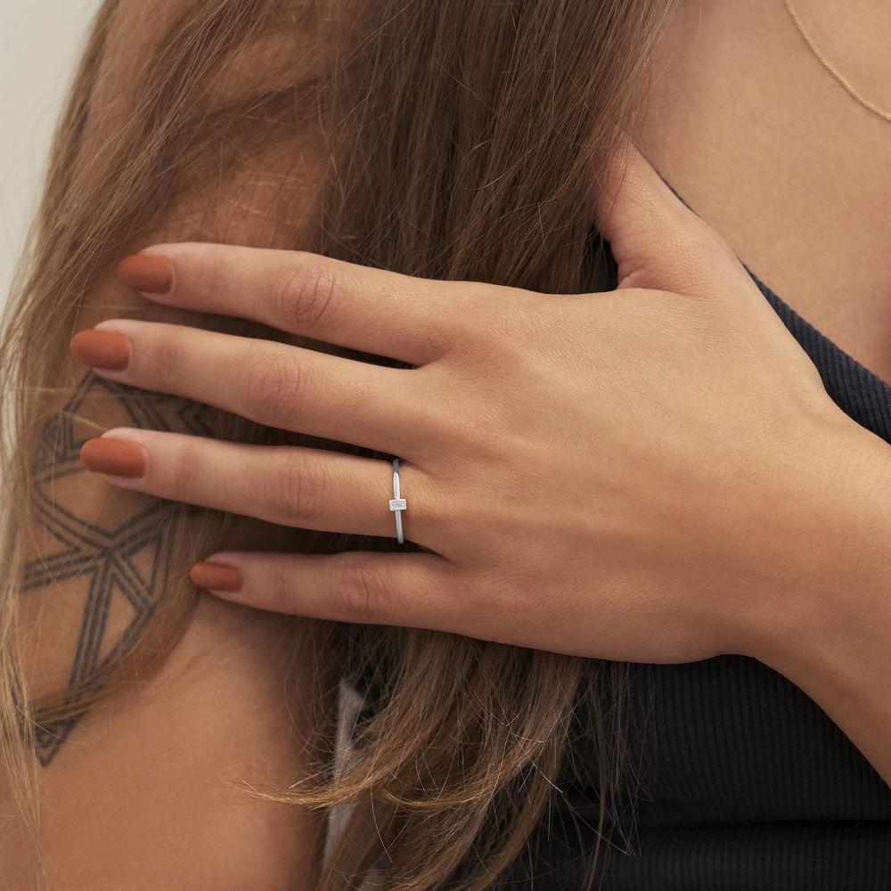 תכשיטי יהלומים   טבעת יהלומים מזהב לבן 14 קראט - טאי